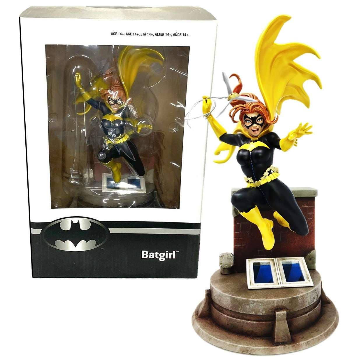 Diorama Batgirl By Jim Lee Thinkgeek Exclusive Only Gamestop